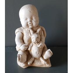 Bébé et son lapin