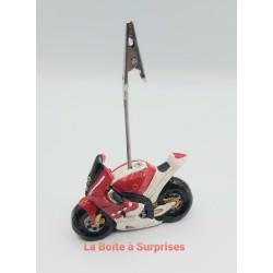 Moto de course rouge...