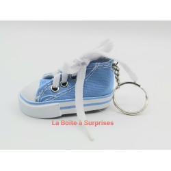 Basket bleu ciel porte-clés